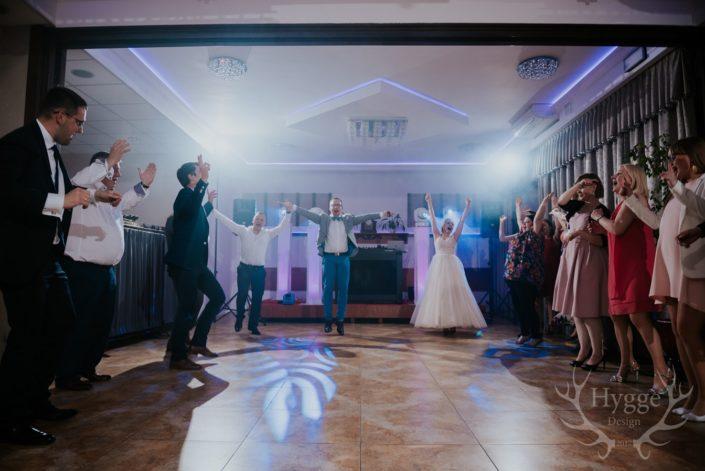 zabawa wesele dj DJ Łukasz,DJ jegomość, DJ Lukas, DJ na wesele rustykalne, dj na wesele alternatywne-dj-glosny