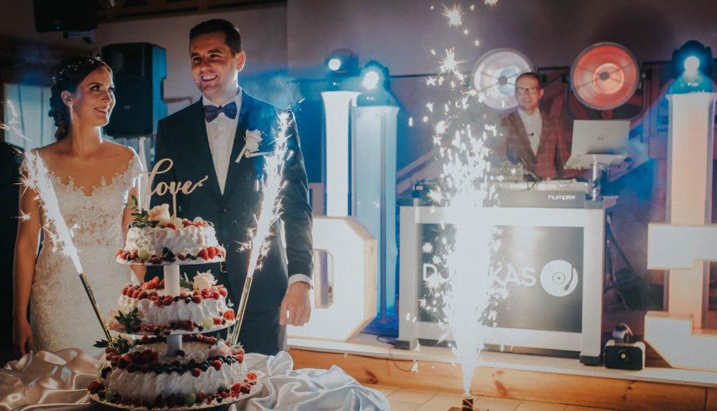 tort weselny zabawa | DJ Lukas - DJ na Wesele Rustykalne