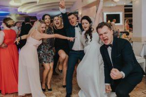 zabawa goście weselni